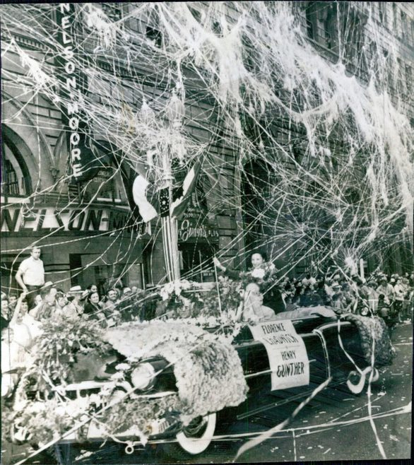 Florence Chadwick welcome home parade San Diego 21/8/1950
