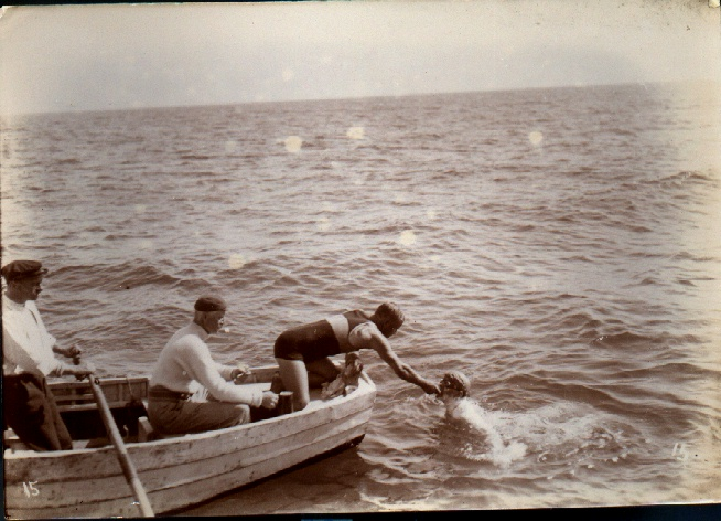 Jabez Wolffe being fed mid-channel swim by Kellingley