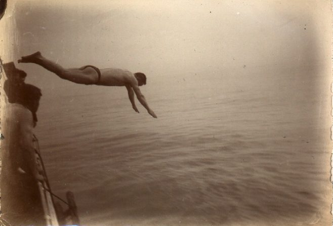Wolffe's pacemaker Moses diving into channel during Channel Swim
