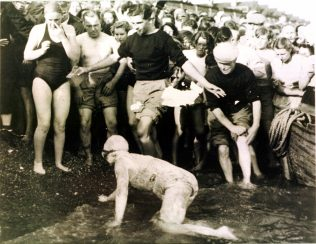 Photograph of the 1950 Daily Mail Channel Swimming Race. Shakespere Beach.
