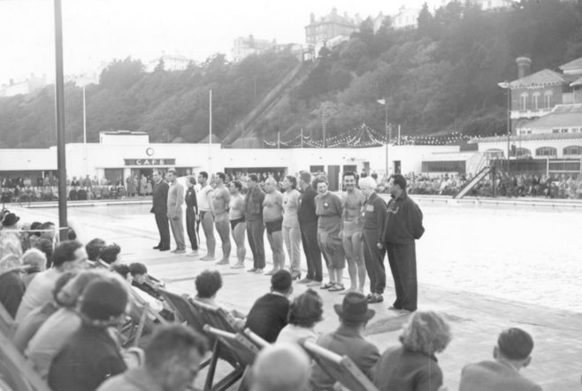 Presentation ceremony of the Coach and competitors