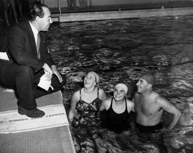 Sam Rockett with 1951 Daily Mail swimmers