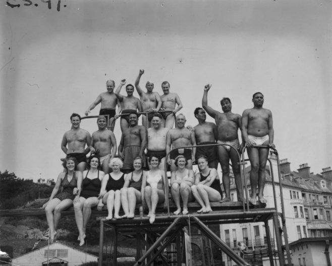 Swimmers for 1951 Daily Mail Race.