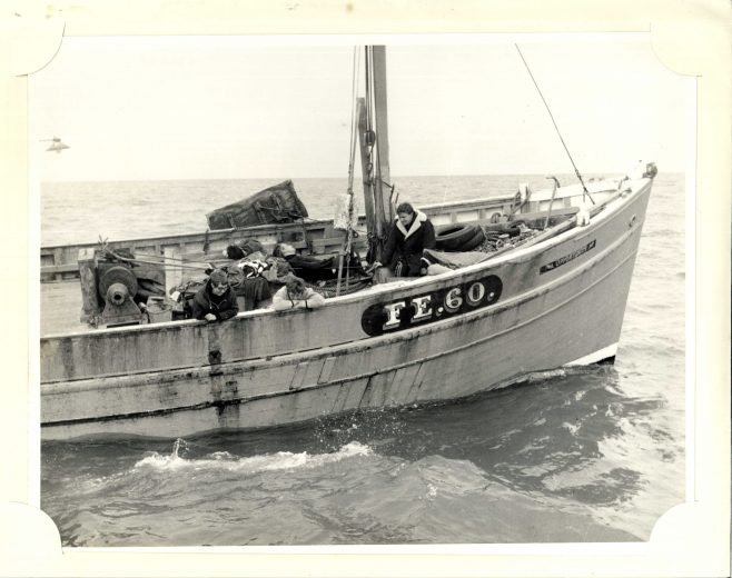 Channel Swimmer alongside Boat 'FE.60 Opportunity' (unidentified)