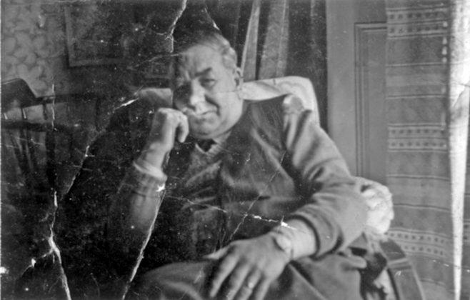 Photograph of Pop Burwill / Burvill Relaxing