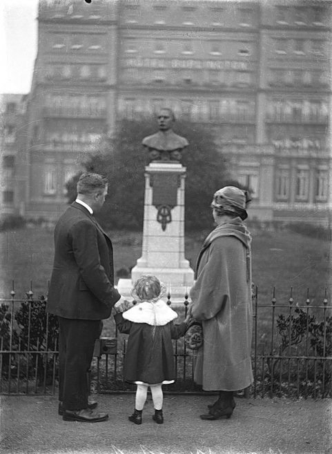 Henry Sullivan, wife and daughter looking at the Captain Webb Memorial