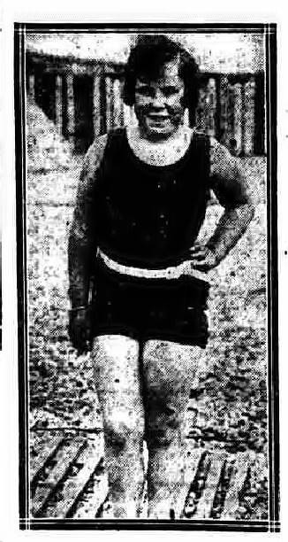 Joan Brunton training for Channel attempt - Nottingham Journal 18/8/1928